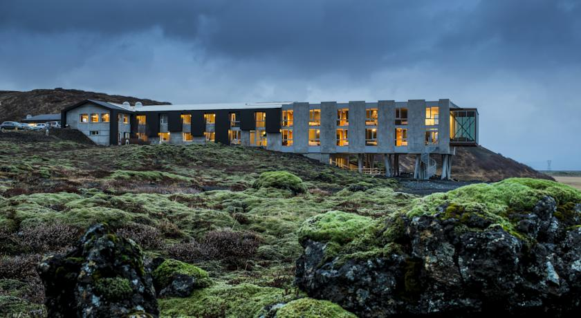 Ion luxury adventure hotel for Small luxury hotel group
